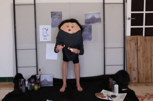 Creative Artist Turn People Into Creatures From Another World By Drawing Faces On Their Backs
