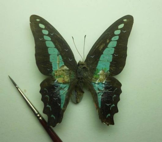 Amazing Paintings On Tiny Canvases