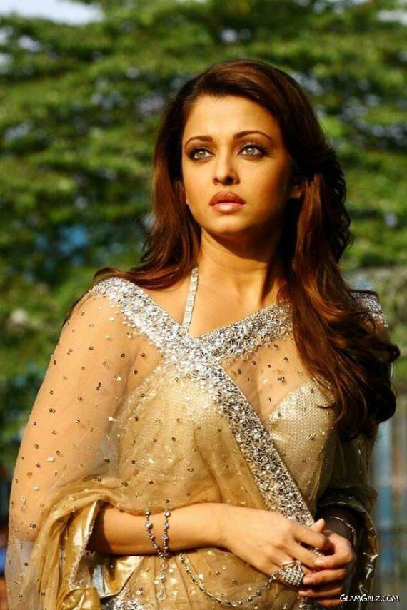Unseen Pictures Of Aishwarya Rai
