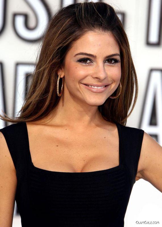 Maria Menounos Graces Up MTV Awards