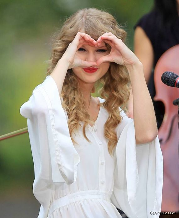 Taylor Swift Performing at Central Park NYC