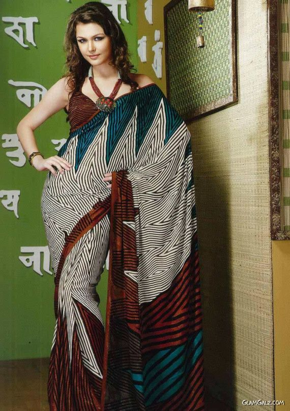 Gorgeous Models in Beautiful Sarees