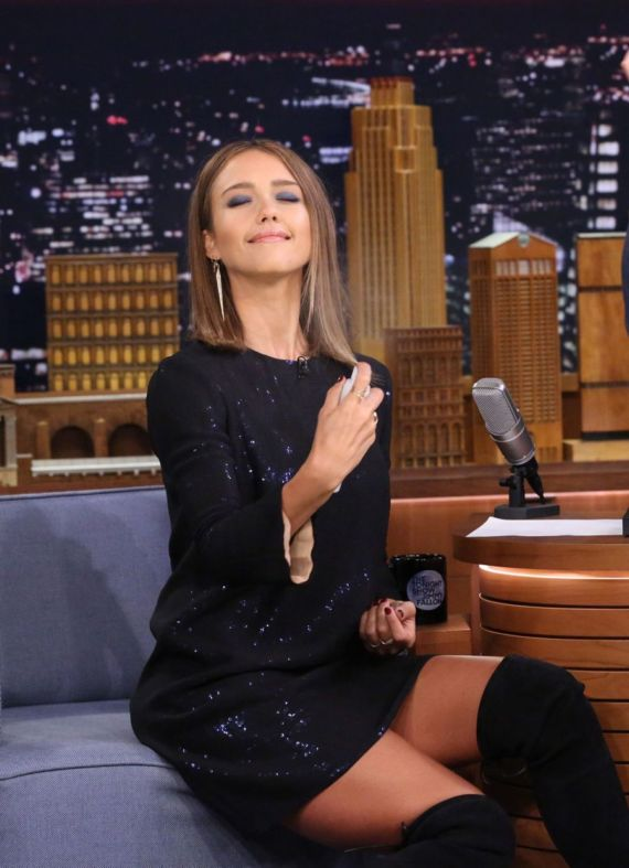 Jimmy Felon Accidentally Spits On Jessica Alba