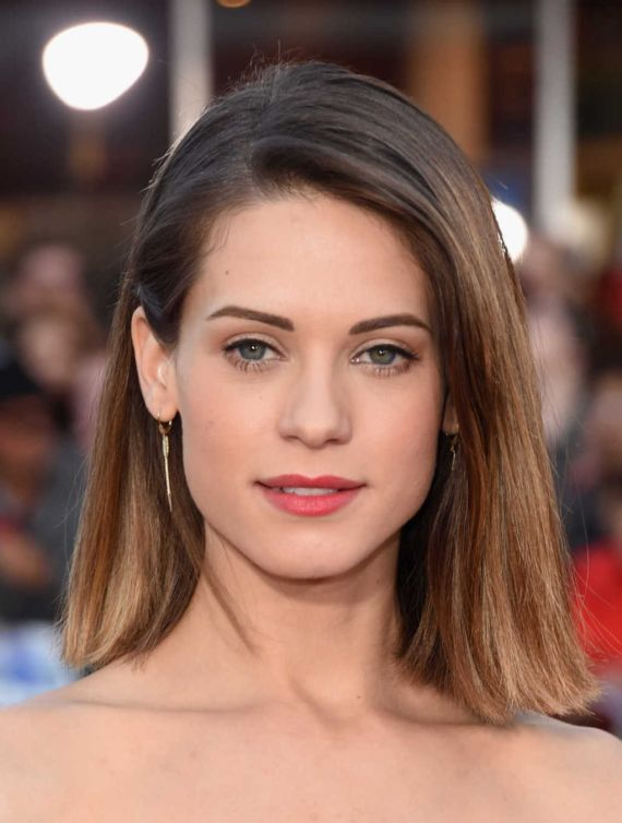 Gorgeous Lyndsy Fonseca At Neighbors Premiere