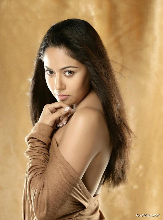 Awesome Tollywood Actress Anupoorva