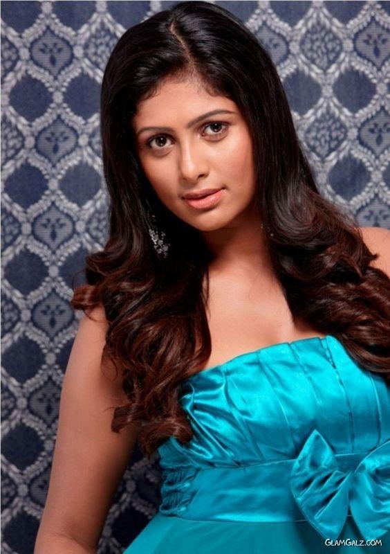 Tollywood Beauty Lakshana Photoshoot