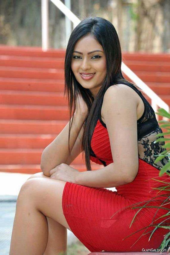 Beautiful Nikesha Patel Outdoor Shoot