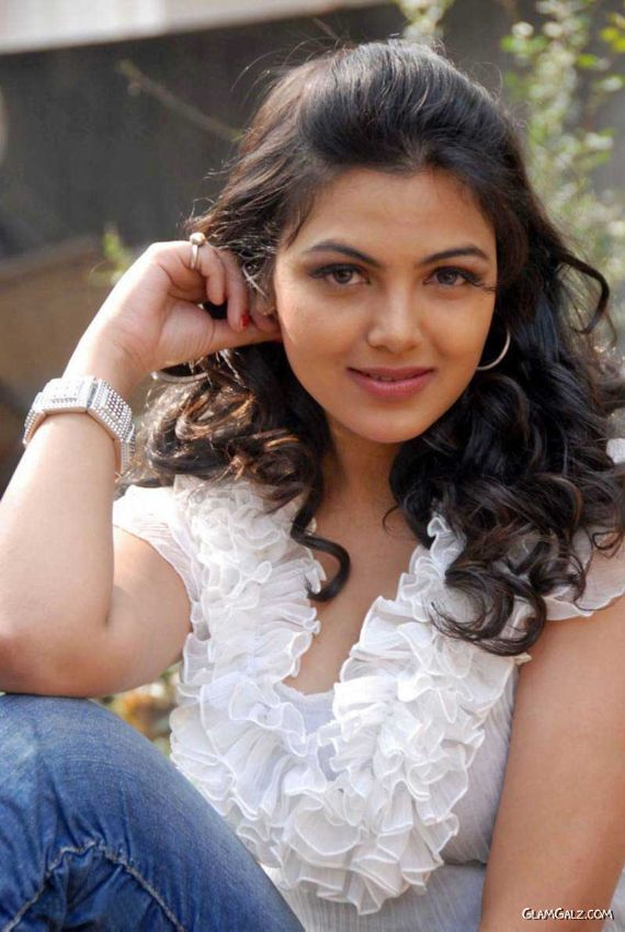 South Indian Actress Priyanka Tiwari  Glamgalzcom - Part 3-9240