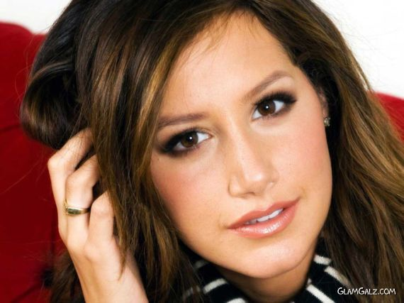 Pretty Ashley Tisdale Wallpapers