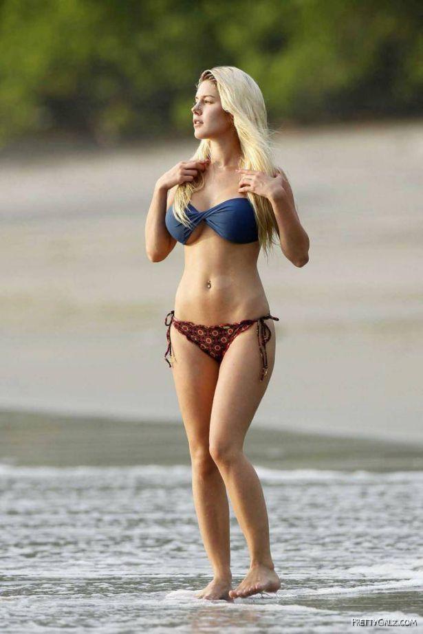 Pretty Heidi Montag Bikini Candids