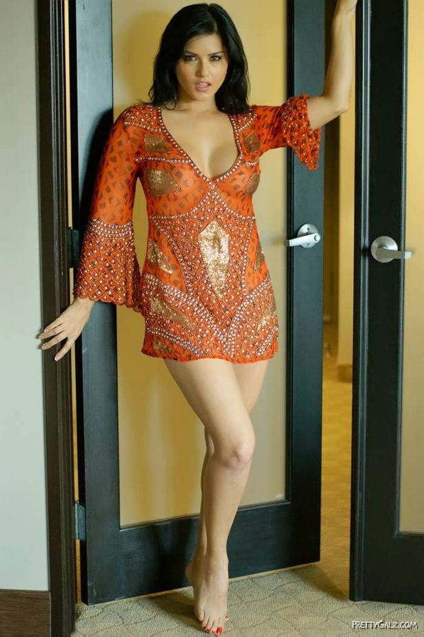Awesome Beauty Sunny Leone
