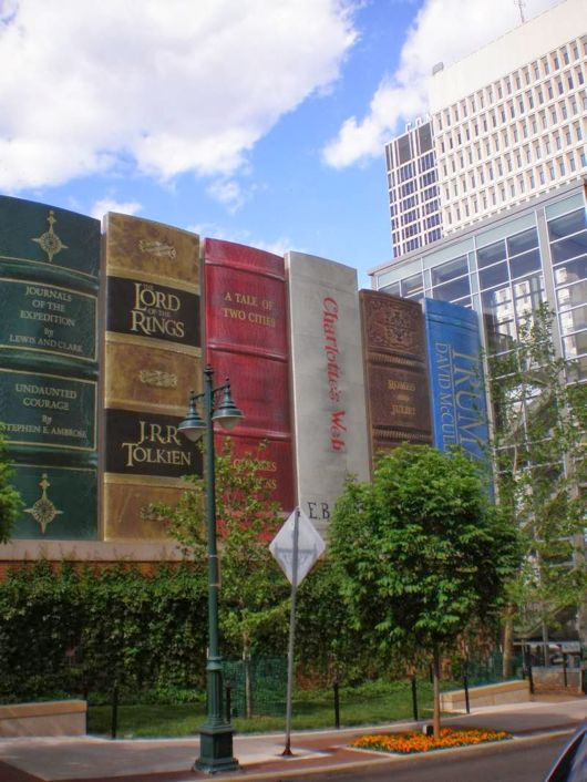 Giant Bookshelf of Kansas City Library, USA